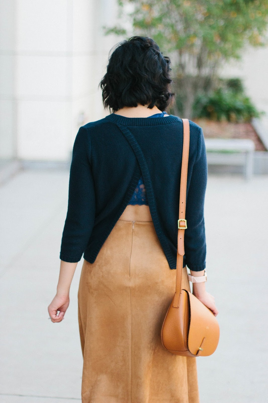 6 Chic Open Back Sweater and Classic Midi Skirt For Fall