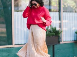 How to Wear A Gold Metallic Skirt for the Holidays