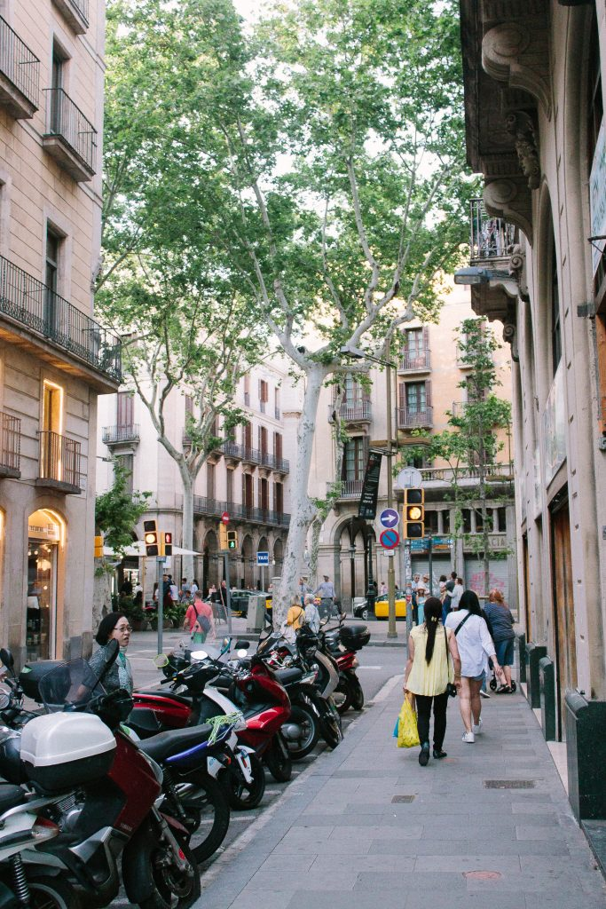 Travel Guide to Barcelona
