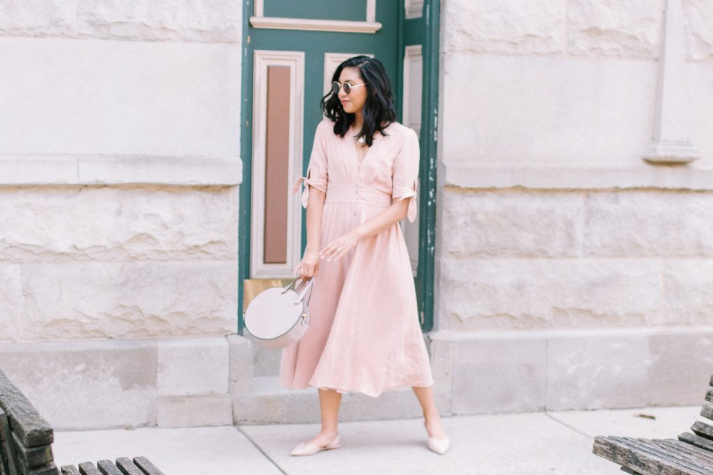 About RD's Obsessions - Chicago based Fashion & Lifestyle blogger and Breast Cancer Survivor