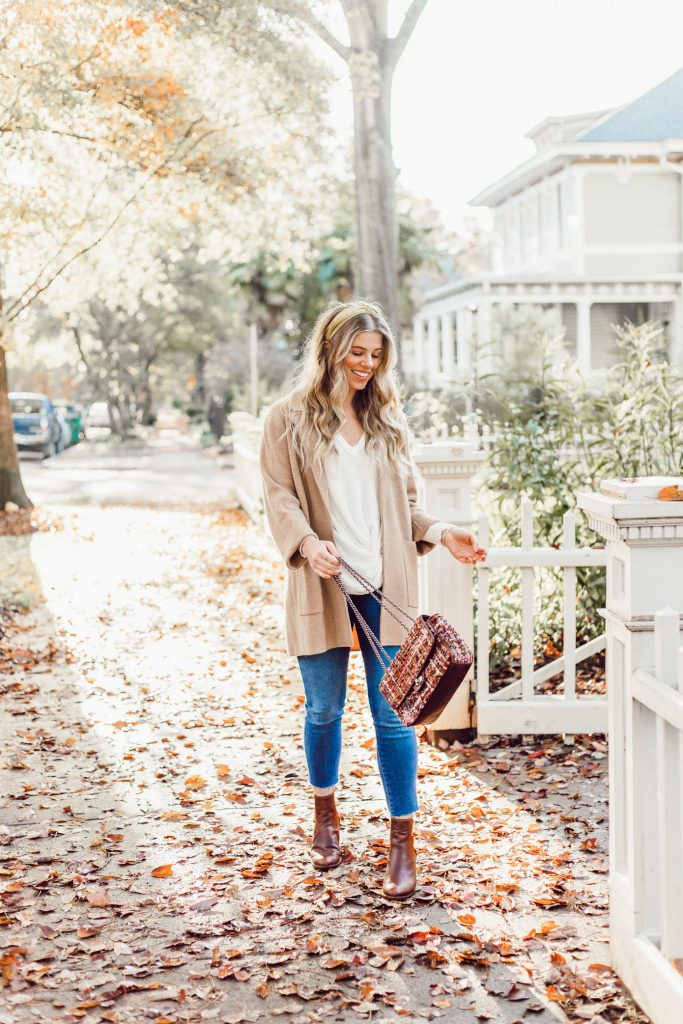 Casual Thanksgiving Outfit Ideas. What to Wear to Thanksgiving
