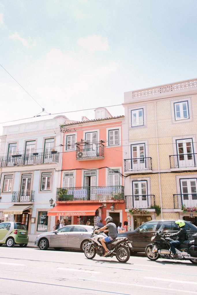 Travel Guide to Lisbon