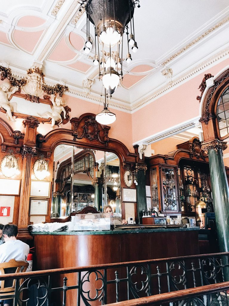 Majestic Cafe - Travel Guide to Porto, Portugal. Things to do in Porto, Portugal.