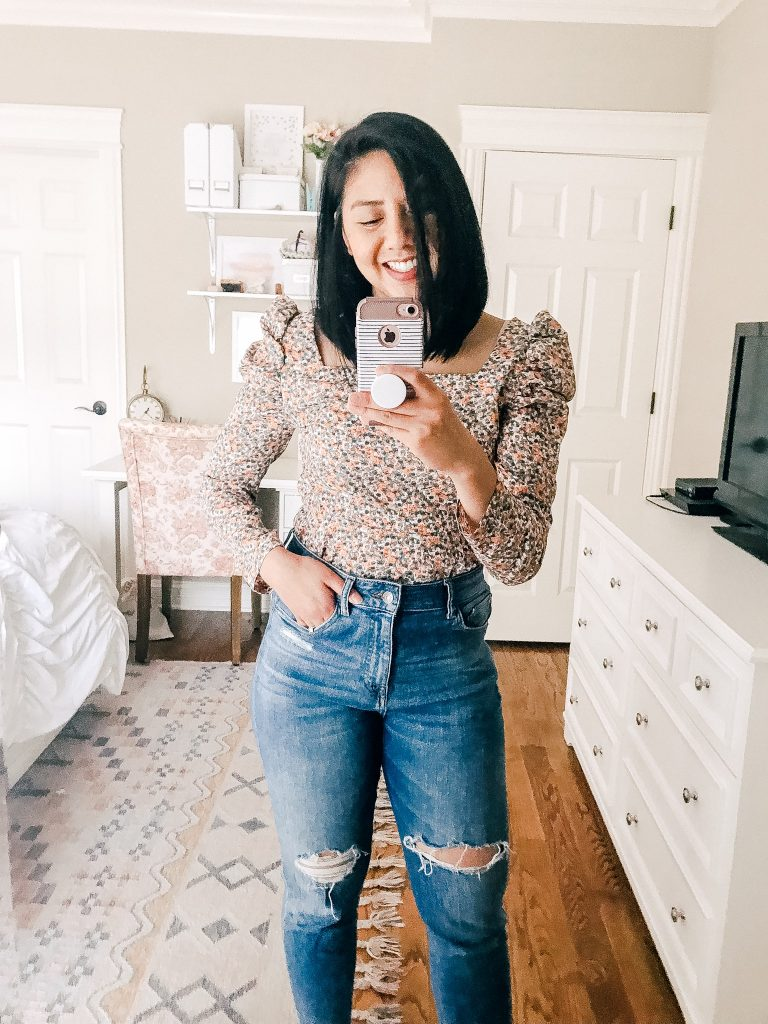 Chic Amazon Tops Under $20. Floral Puffed Sleeved Top.