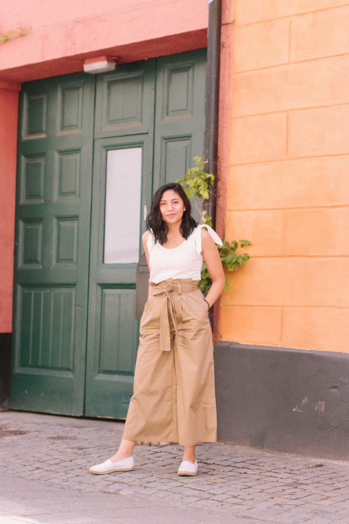 The Perfect Paperbag Pants Outfit for Travel