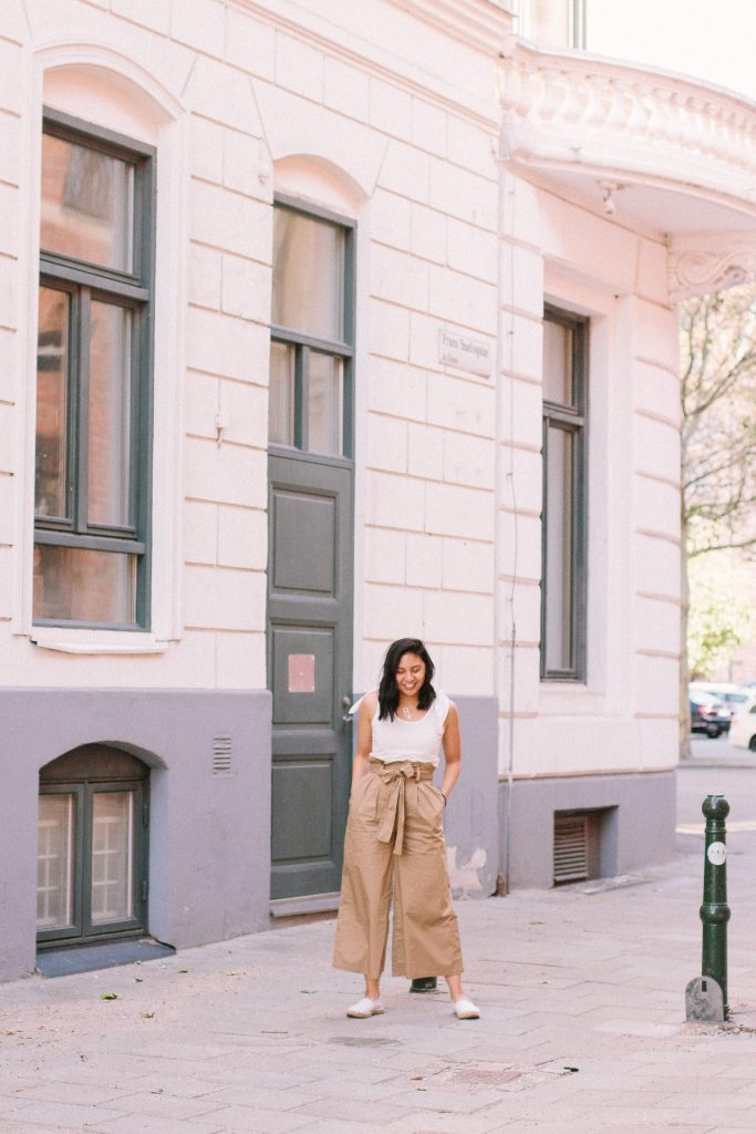 The Perfect Paperbag Pants Outfit for Trave