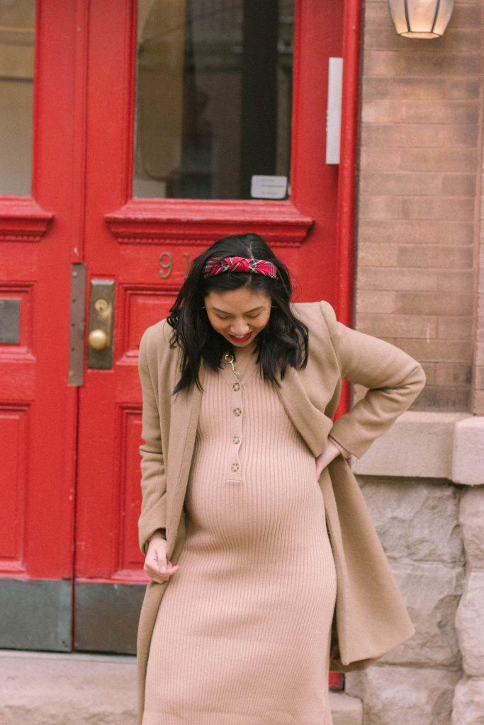 Maternity Holiday Outfit
