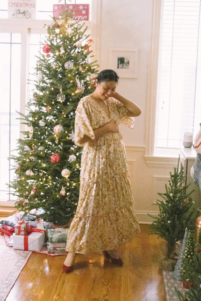 Bump Friendly Holiday Outfit